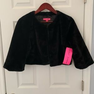 Betsy Johnson Black Faux Fur Shrug Jacket